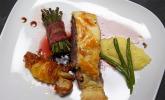 Hauptspeise: Rinderfilet Wellington mit Bohnen und Fächerkartoffeln