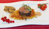 Hauptspeise: Reh mit Steinpilzen in Johannisbeersauce
