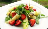 Rucola-Spargel-Erdbeer-Salat