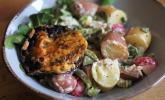 Überbackene Portobello-Pilze mit buntem Kartoffelsalat