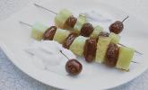 Ananas-Dattel-Spieße gegrillt