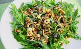 Antipasti-Salat mit Schafskäse und Pesto-Dressing
