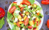 Nektarinen-Tomaten-Salat mit Kürbiskernpesto