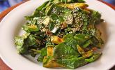 Spinat-Avocado-Gurken-Salat mit Wasabi-Dressing
