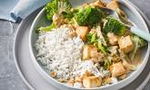 Brokkoli-Tofu-Pfanne mit Erdnusssoße