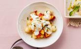 Pfirsich-Melonensalat mit Mandelstiften