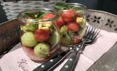 Gurken-Melonen-Salat mit Pinienkernen   Gurken-Melonen-Salat mit Pinienkernen