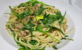 Spaghetti in Sardinen-Knoblauch-Soße mit Rucola