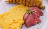 Hauptspeise: Beef, Harissa Mash, burned Sweetheart Cabbage