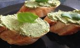 Kräuter-Oliven-Brotaufstrich