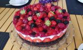 Brownie-Torte mit Beeren