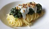 Spaghetti mit veganer Spinat-Sour Cream