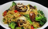Asiatische Gemüse-Bratnudeln