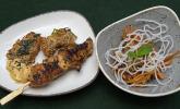 Vorspeise: Luo Bo Gao und Saté Gai an Erdnuss-Espuma und fruchtigem Glasnudelsalat