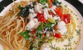 Gemüse-Fischragout mit gebratenen Nudeln