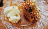 Karamellisierte Pflaumen in Portwein mit Zimtcreme