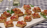 Bacon-Tomaten-Frischkäse Häppchen