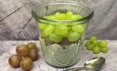 Chia-Pudding mit Apfel und Traube