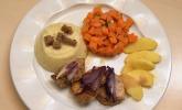 Hauptspeise: Schweinelendchen mit Kartoffel-Sellerie-Püree, Karottengemüse und Curryrahmsoße