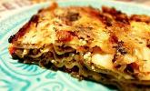 Grünkohl-Lasagne mit karamellisierten Zwiebeln