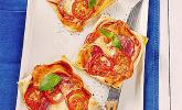 Kleine Blätterteig-Pizzen