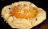 Roros Pfirsich-Blätterteig-Teilchen