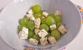 Weintrauben-Schafskäse-Salat