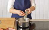 Schritt 9: Sauce würzen