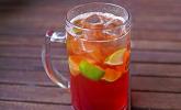 Biercocktail mit Ginger Ale und Grenadine (alkoholfrei)