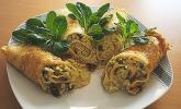 Crespelle mit Wirsing, Cashewnüssen, Rosinen und Gorgonzola