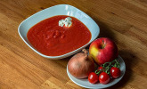 Feurige Apfel-Tomaten-Suppe