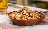 Kichererbsensalat mit getrockneten Tomaten und Feta