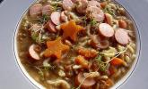 Linsensuppe mit Kartoffeln und Mettwurst