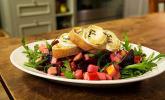 Rote-Bete-Apfelsalat mit Ziegenkäse-Crostini
