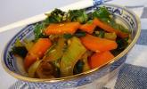 Schnelles Pak-Choi-Karotten-Gemüse