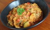 Veganer Eintopf mit roter Quinoa und Kokosmilch