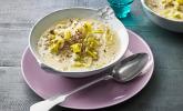 Hack-Käse-Porree-Suppe mit Kräuterfrischkäse