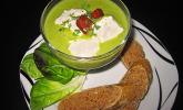 Erbsen-Brunnenkresse-Suppe mit Emmentaler-Schneeklößchen