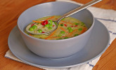 Erbsen-Kokos-Suppe mit Quinoa