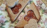 Herzige Erdnussbutter - Sandwiches