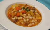 Toskanische Bohnensuppe mit Kohl