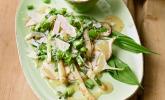 Vorspeise: Warmer Frühlingssalat mit Mairübchen, Spargel und Bärlauch