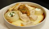 Hauptspeise: Perlhuhn mit Kartoffeln und Schmorzwiebeln