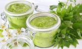 Grünes Pesto mit Liebstöckel