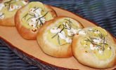 Mini-Focaccia mit Ziegenkäse, Rosmarin und Kartoffeln