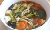 Miso-Udon-Suppe mit Seidentofu