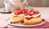 American Cheesecake mit Sahne - Früchte - Topping