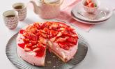 Windbeuteltorte mit Erdbeersahne