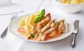Platz 20: Spargel in rosa Basilikum-Käse-Sauce mit Filet vom Schwein, Huhn oder Pute