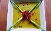 Crème brûlée vom grünen Spargel mit Marmelade von Berberitzen und Zwiebeln